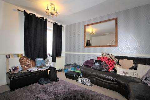 2 bedroom semi-detached house for sale - Hayes, Middlesex