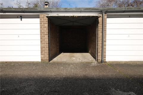 Garage to rent - Parkside, Hamilton Road, Ealing, W5