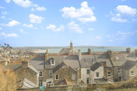 2 bedroom flat for sale - Prospect Place, Penzance