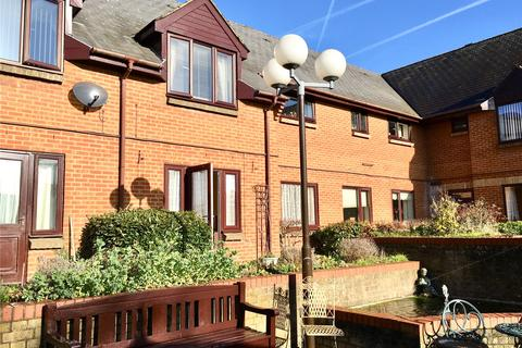 2 bedroom house for sale - Breakspear Court, The Crescent, Abbots Langley, Hertfordshire, WD5