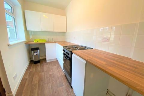 2 bedroom terraced house to rent - Wythburn Street, Salford