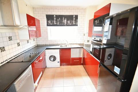 2 bedroom house share to rent - Milnthorpe Street, Salford