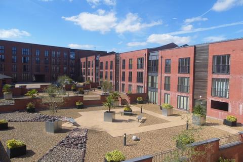 2 bedroom apartment to rent - Cornwood House, Dickens Heath, Solihull, West Midlands, B90