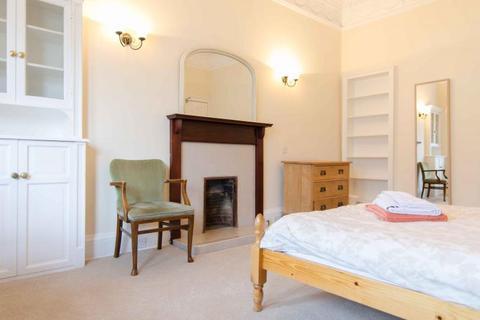 4 bedroom flat to rent - Spottiswoode Street, Edinburgh EH9