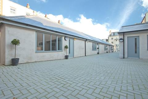 1 bedroom flat to rent - Bush Mews, Brighton