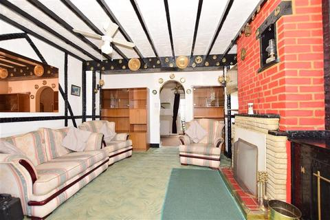 2 bedroom cottage for sale - Bredgar Road, Tunstall, Sittingbourne, Kent