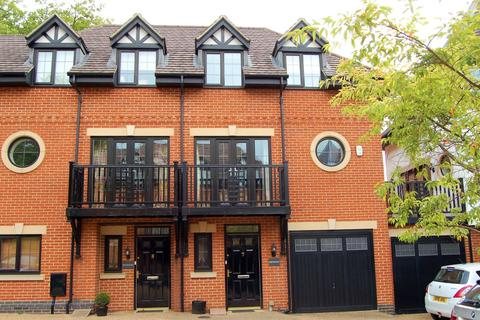 4 bedroom townhouse for sale - Mackintosh Square, 548 Wellingborough Road, Northampton NN3 3HZ