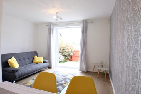 2 bedroom semi-detached house to rent - Marcroft Road, Port Tennant, Swansea, SA1 8PN