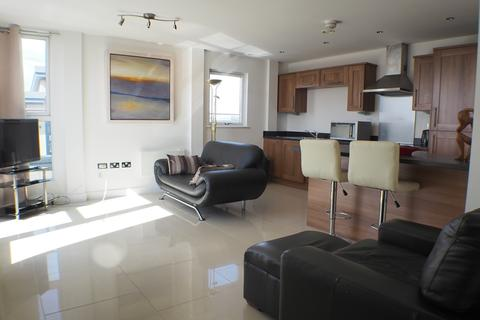 2 bedroom flat to rent - Trawler Road, Marina, Swansea, SA1 1FZ