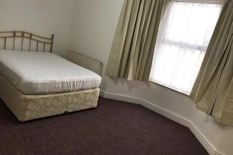 1 bedroom flat to rent - Ponders End , London  EN3