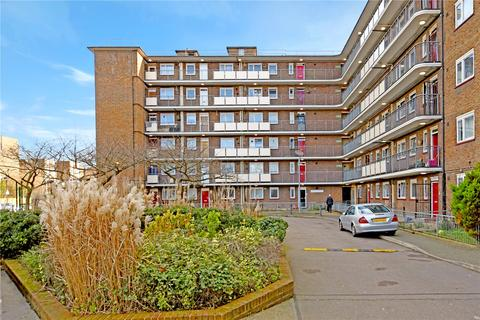3 bedroom flat to rent - Hooke House, Gernon Road, London, E3