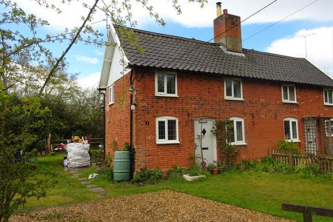 2 bedroom semi-detached house to rent - Dunwich