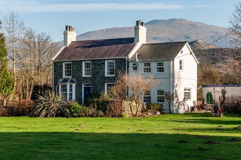 4 bedroom farm house for sale - Brynrefail, Llanrug, North Wales