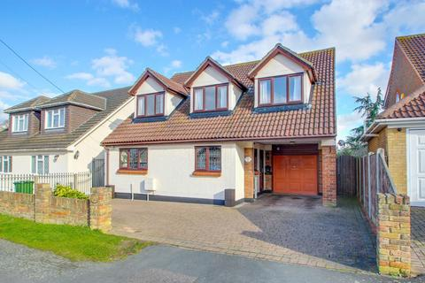 4 bedroom detached house for sale - Westlake Avenue, Bowers Gifford