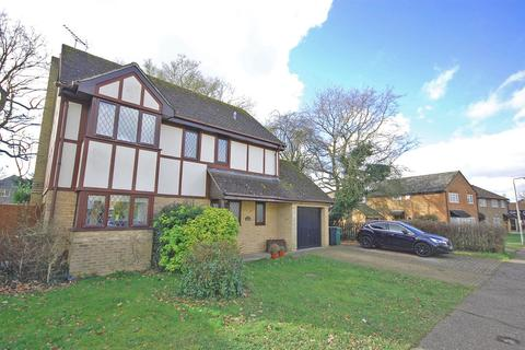 4 bedroom detached house for sale - Derwent Way, White Court, Braintree, CM77