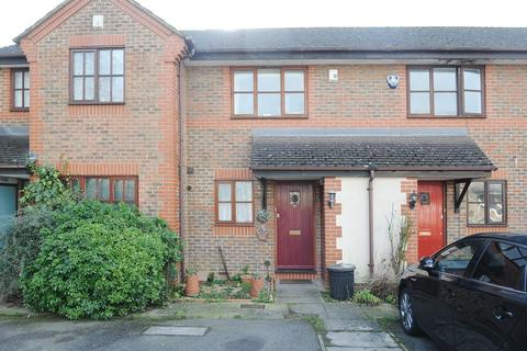 2 bedroom terraced house for sale - Flemming Avenue, Ruislip