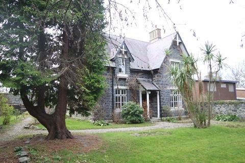 3 bedroom detached house for sale - Llanfairfechan, Conwy