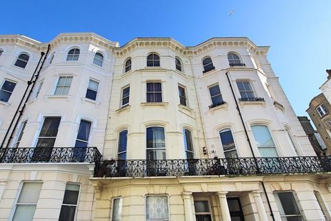 Studio to rent - Chesham Place, Brighton