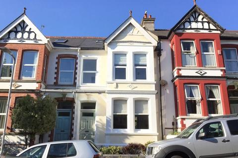 3 bedroom terraced house to rent - Kingswood Park Avenue, Plymouth. Spacious Peverell Family Home.