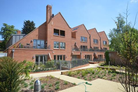 2 bedroom apartment for sale - Stunning ground floor apartment with private patio