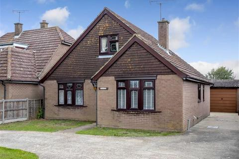 4 bedroom detached bungalow for sale - Magpie Hall Road, Stubbs Cross, Ashford