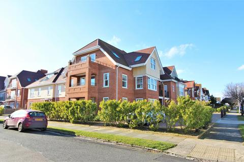 2 bedroom apartment for sale - Queens Road, Frinton-On-Sea