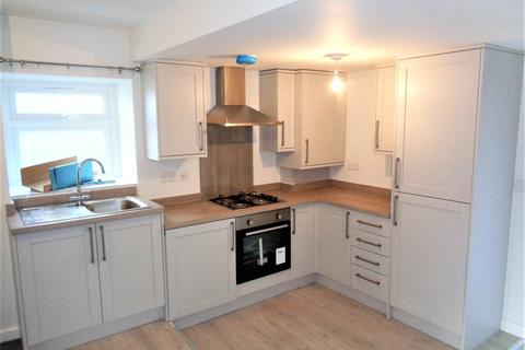 2 bedroom flat to rent - North Road, Yate, Bristol