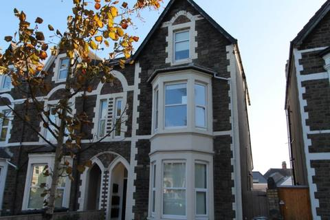 2 bedroom flat to rent - Richmond Road, ,