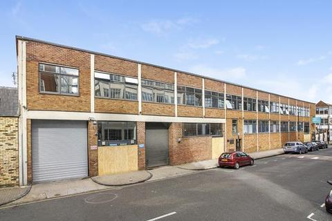 Office to rent - 1A Elthorne Road, London
