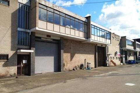 Industrial unit to rent - Lyndean Industrial Estate, Felixstowe Road, Abbey Wood, London