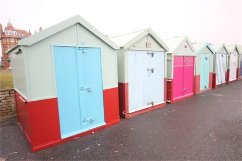 Beach hut for sale - Beach Hut 121, Hove Lawns