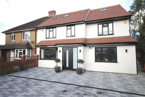 4 bedroom semi-detached house for sale - Thickthorne Lane, Staines-upon-Thames, Surrey, TW18