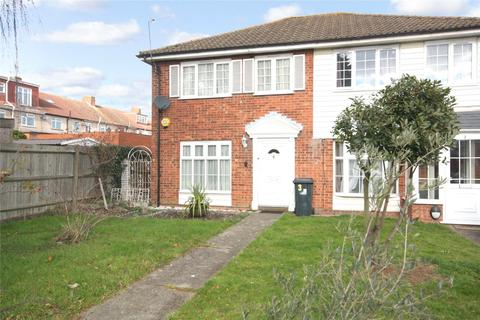 3 bedroom semi-detached house for sale - Bassett Way, Greenford, UB6