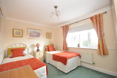 1 bedroom house share to rent - John Newington Close Kennington TN24