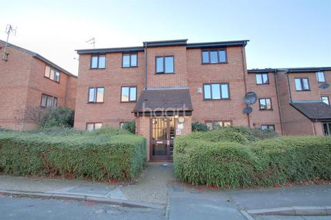 2 bedroom flat for sale - Avenue Road, Chadwell Heath