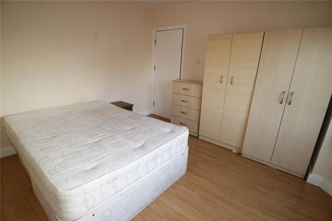 House to rent - Monks Park, Wembley, HA9