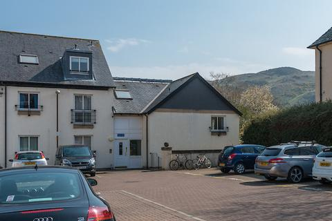4 bedroom flat to rent - Spring Gardens, Holyrood, Edinburgh, EH8 8HX