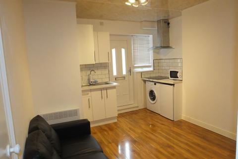 1 bedroom apartment to rent - Chesterfield Road, Woodseats, Sheffield, S8 0SQ