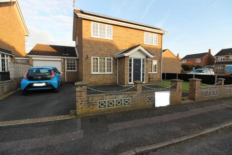 3 bedroom detached house for sale - Fellowes Drive, Bradwell, NR31