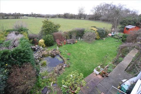 3 bedroom semi-detached house for sale - Walters Close, Chelmsford