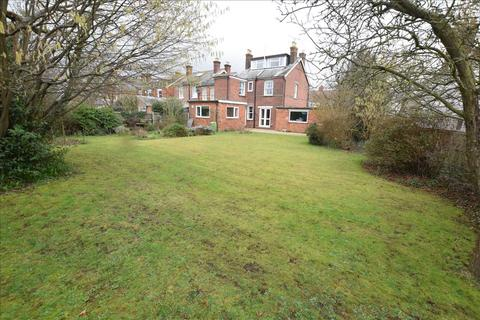 5 bedroom detached house for sale - New Road, Great Baddow, Chelmsford