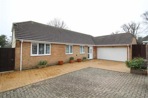 3 bedroom bungalow for sale - New Milton, Hampshire