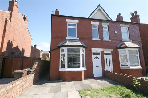 3 bedroom semi-detached house to rent - Warren Road, Southport