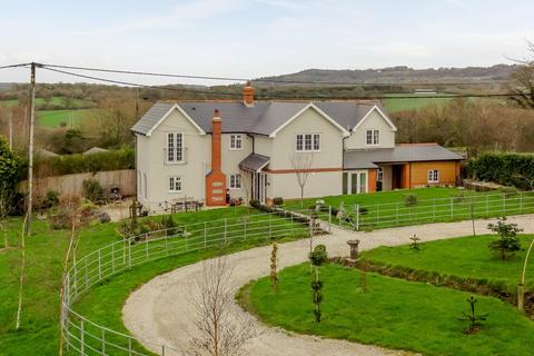 4 bedroom property with land for sale - Sherborne Causeway, Shaftesbury