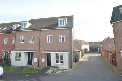 4 bedroom townhouse for sale - Purcell Road, Witham, CM8 1AG