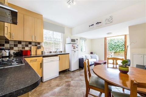 2 bedroom maisonette to rent - Edenvale Street, London, SW6