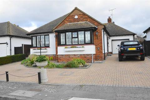 4 bedroom detached bungalow for sale - Waterhale, Thorpe Bay