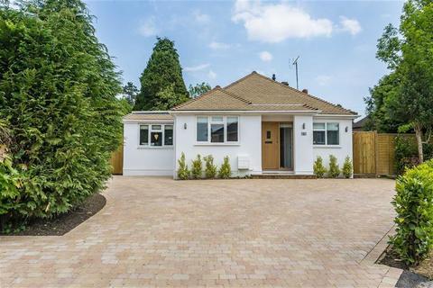 3 bedroom bungalow for sale - Hurst Green Close, Hurst Green, Surrey