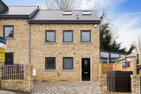 3 bedroom semi-detached house to rent - Mowbray Road, New Barnet, Hertfordshire