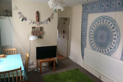 2 bedroom flat to rent - Claude Road, CARDIFF, CF24